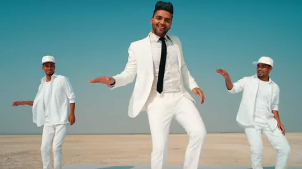 Guru Randhawa set for multi-city tour, loves performing live