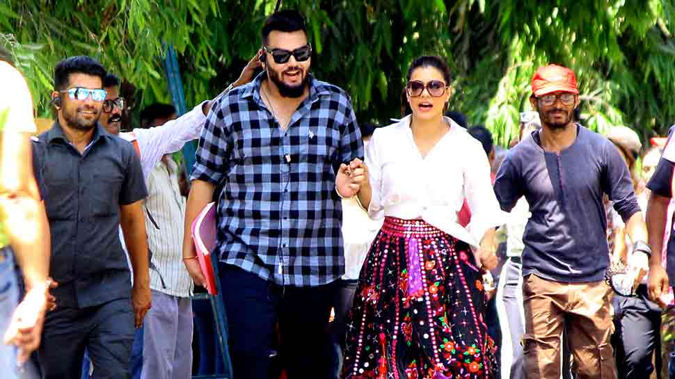 Kajol Devgn looks stylish as ever as she gets clicked at Goregaon filmcity  — See photos