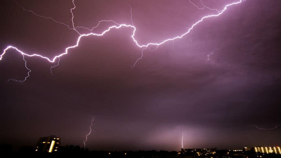Thundershowers bring cheer in Delhi, chaos and carnage in Uttar Pradesh