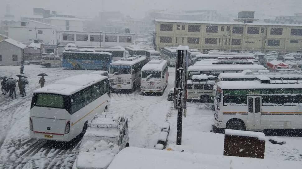 Snowfall, landslide disrupt yatra to Kedarnath, Badrinath shrines