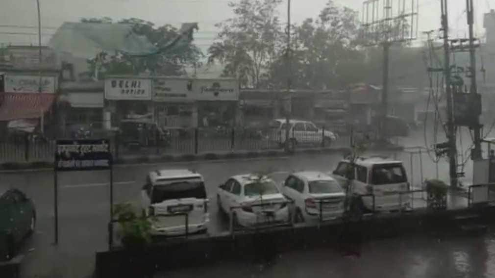 Heavy rains in Mathura kill 2, dust storm in Agra blinds tourists