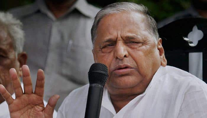 Mulayam meets Yogi Adityanath over 'no official residence for ex-CMs' order by Supreme Court