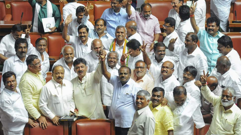 Karnataka government formation: 20 JDS, 13 Congress MLAs likely to be ministers, G Parameshwara may be Deputy CM, say sources