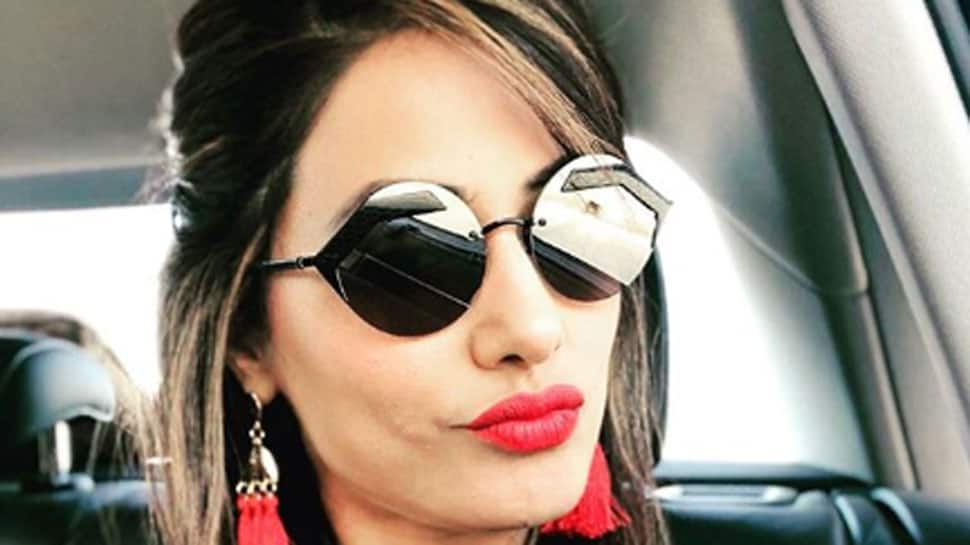 Bigg Boss 11 finalist Hina Khan is pumping iron at gym, and looks like she's on a mission