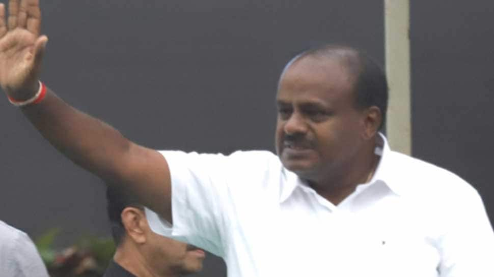 PM Narendra Modi calls up HD Kumaraswamy, assures all help