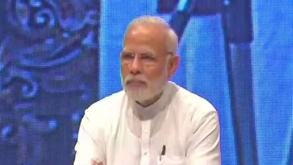 PM Narendra Modi apologises for lack of drinking water in Shantiniketan