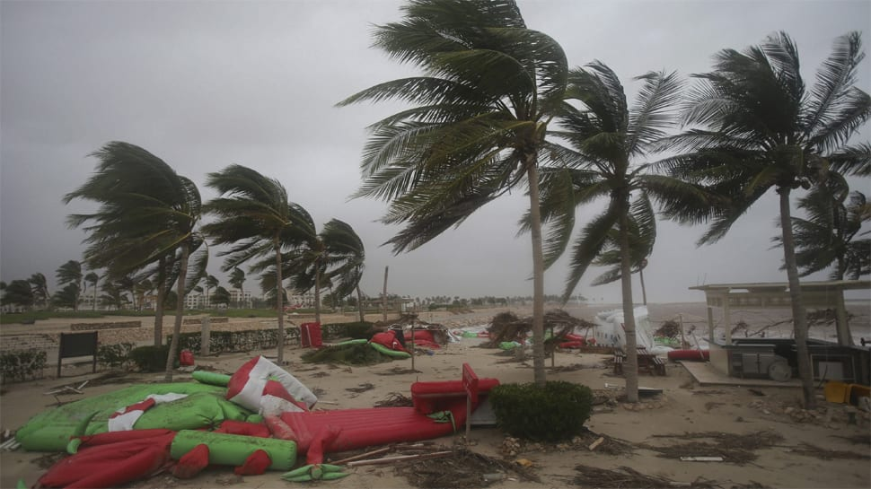 Powerful cyclone Mekunu strikes Oman, Yemen; 6 dead, 30 missing