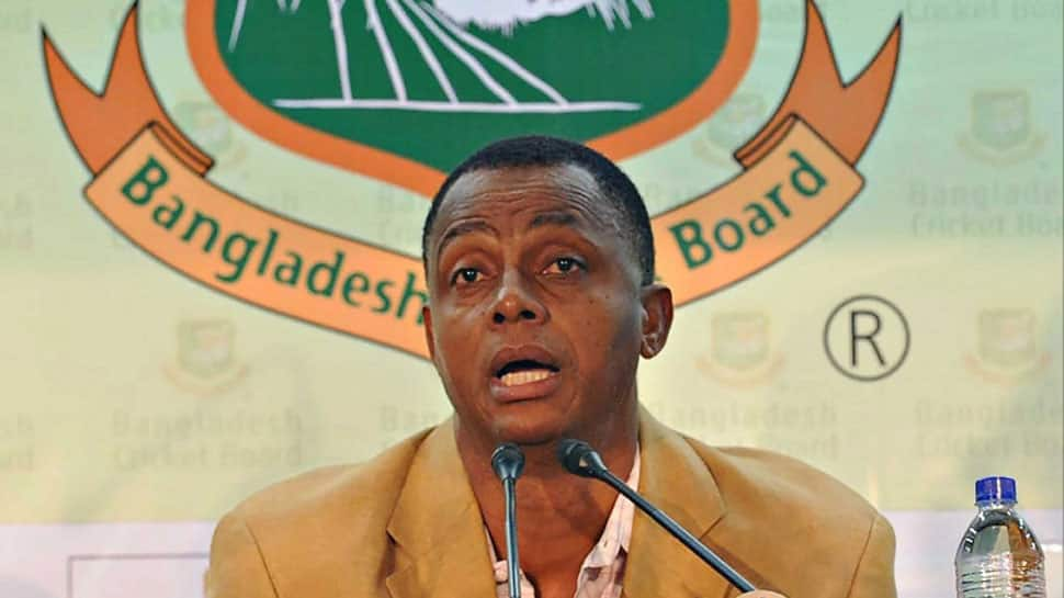 Bangladesh retain Courtney Walsh as coach for Afghanistan series