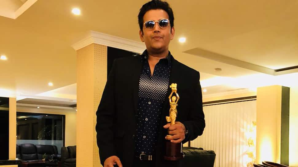 Ravi Kishan wins Best Actor award at Jharkhand International Film