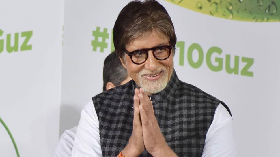 Amitabh Bachchan shook 150 hands in a few hours