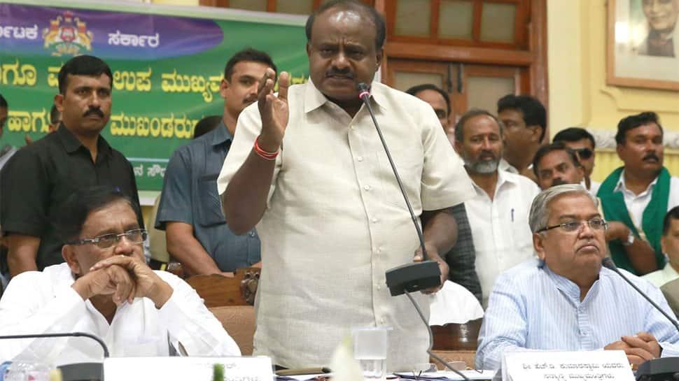 Kumaraswamy promises farm loan waiver in 15 days, Yeddyurappa accuses Karnataka CM of betraying farmers