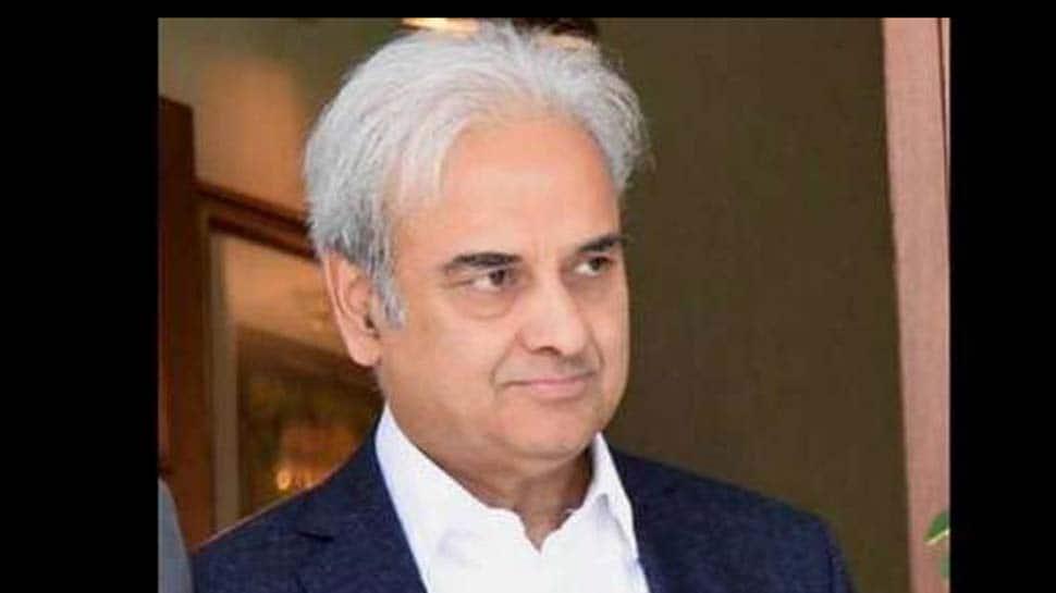 Pak's ex-chief justice Nasirul Mulk takes oath as caretaker PM