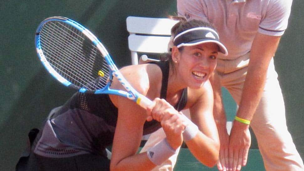 French Open: Garbine Muguruza eases into last 16 as Maria Sharapova, Serena Williams edge closer to reunion