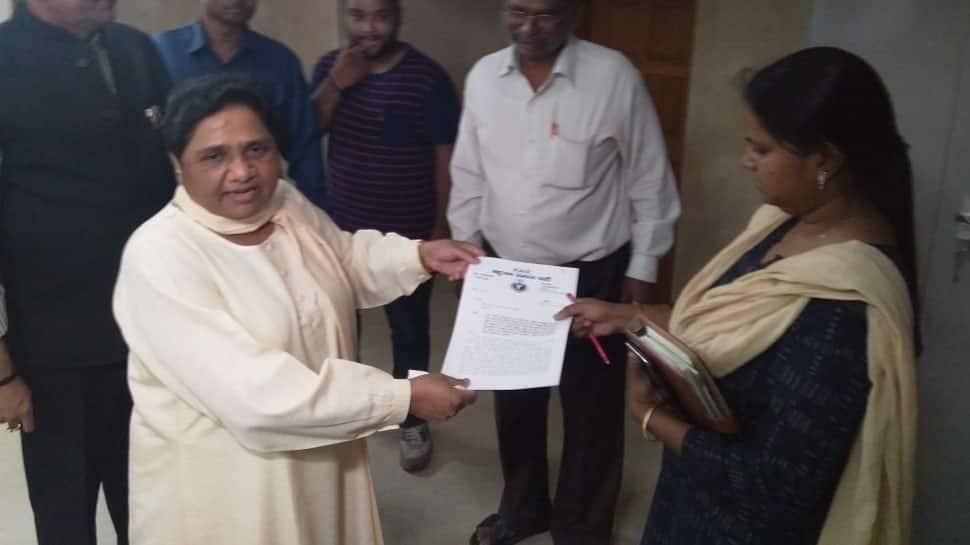 Mayawati vacates government bungalow, calls it Kanshi Ram memorial
