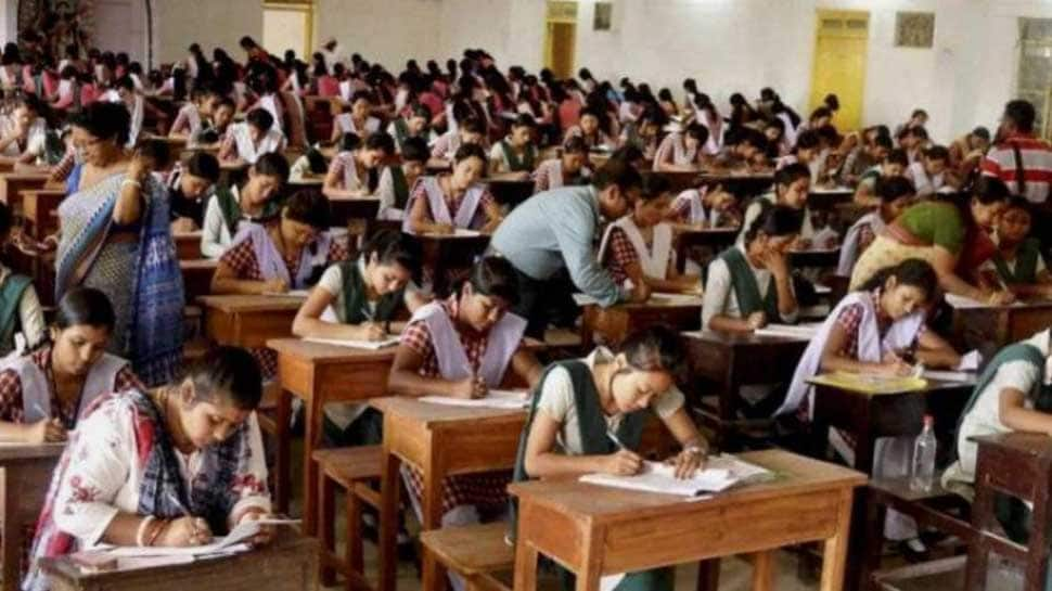 CBSE NEET UG 2018: Supreme Court to hear pleas of medical aspirants on upper age limit
