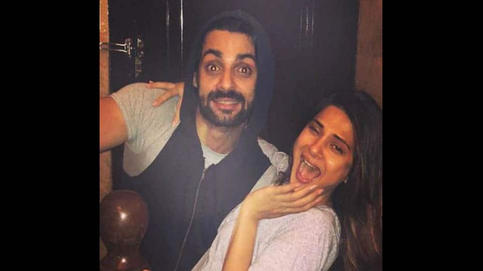 Jennifer Winget and Karan Wahi's latest picture will remind you of their 'Dill Mill Gayye' days- See pic