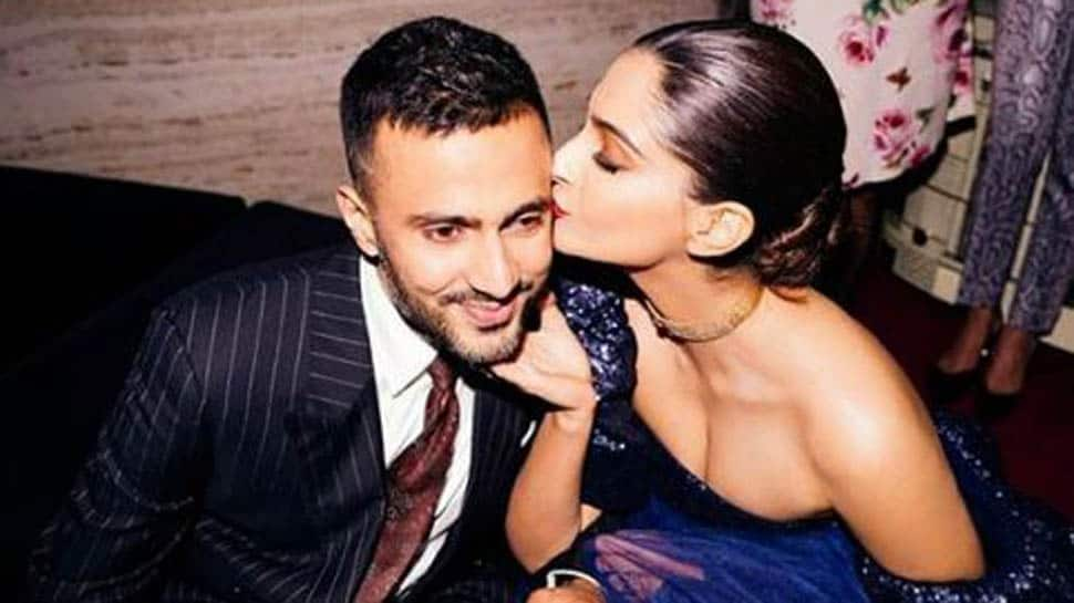 With Sonam Kapoor and Anand Ahuja, everyday is indeed phenomenal- See pic