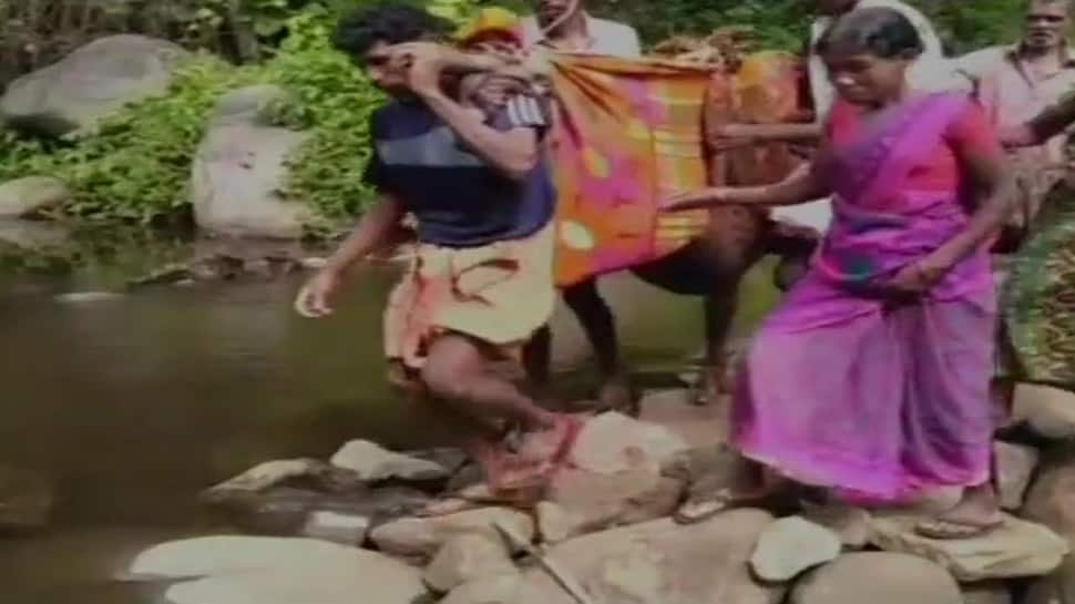 No ambulance available, pregnant woman carried to hospital on makeshift cloth stretcher