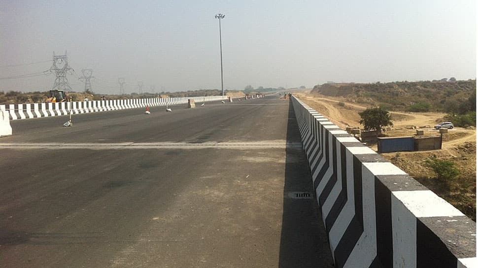 UP roadways bus crushes 6 students, teacher to death on Agra-Lucknow Expressway