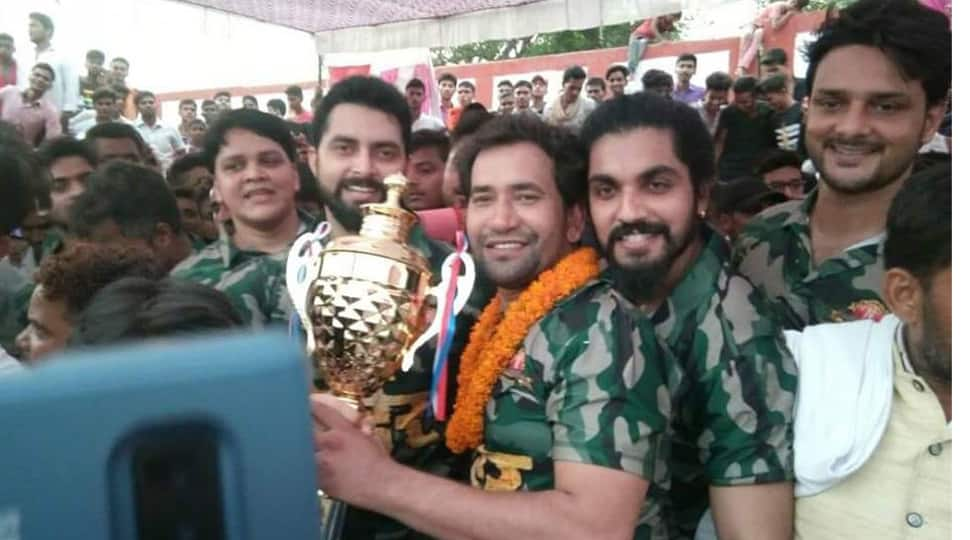 Bhojpuri superstar Dinesh Lal Yadav Nirahua and the Border film team play cricket match in Buxar