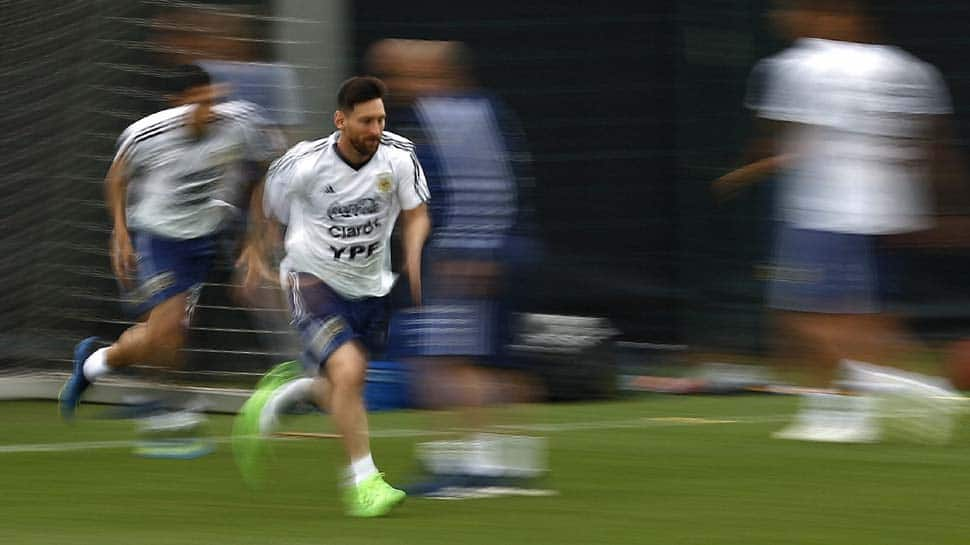 Lionel Messi the star attraction as Ever Banega trains apart
