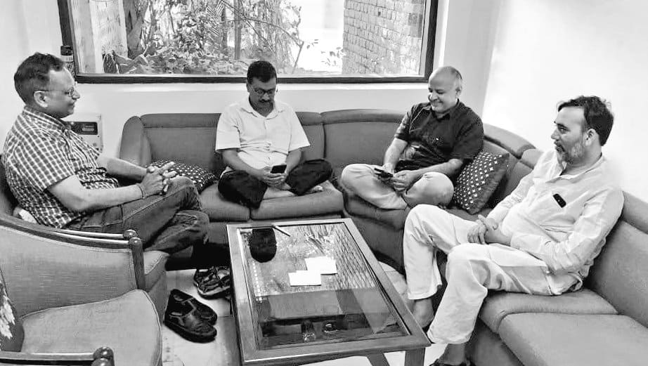 48 hours on, no truce in sight: Kejriwal and his ministers continue protest at Lieutenant-Governor Anil Baijal's office