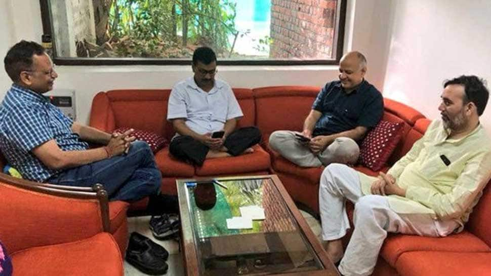 Arvind Kejriwal continues sit-in protest at L-G's office, AAP gears up for mass agitation at PMO