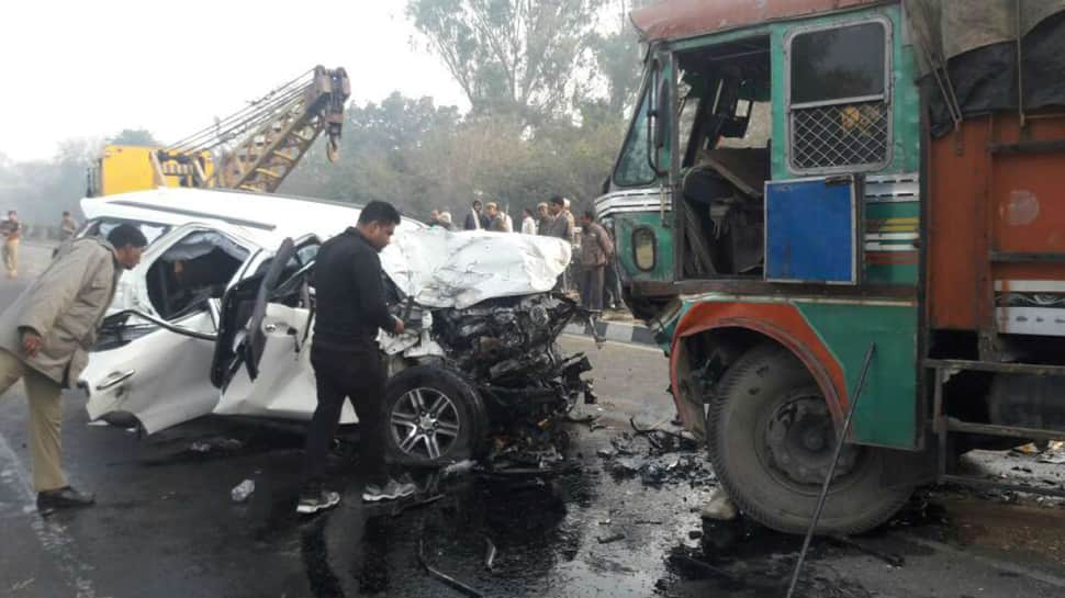 6 Killed In The Road Accident As Van Crashes Into Truck In Uttar