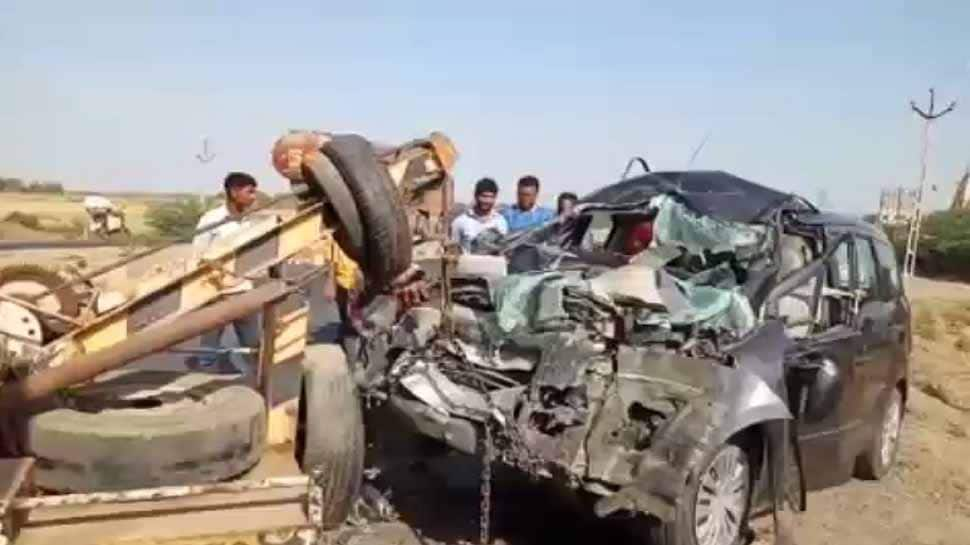 3 killed in dumper-car collision in Jharkhand
