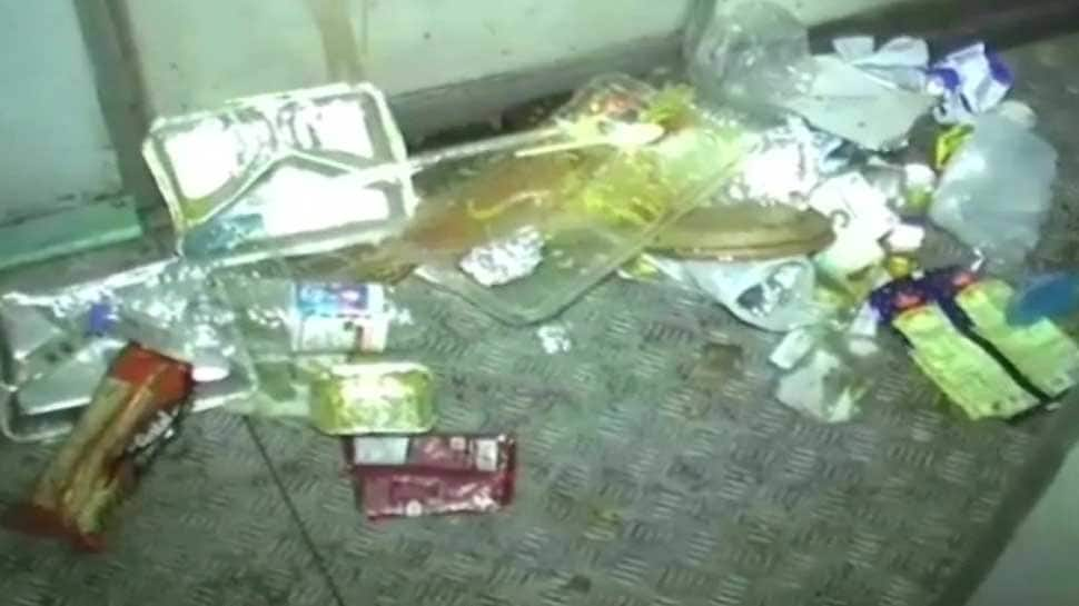 Mughalsarai: Angry passengers create ruckus over AC malfunction, garbage in train