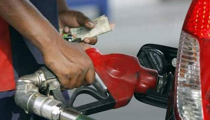 Petrol prices drop by 14 paise on fourth consecutive day, Diesel prices dip by 7 Paise in Delhi