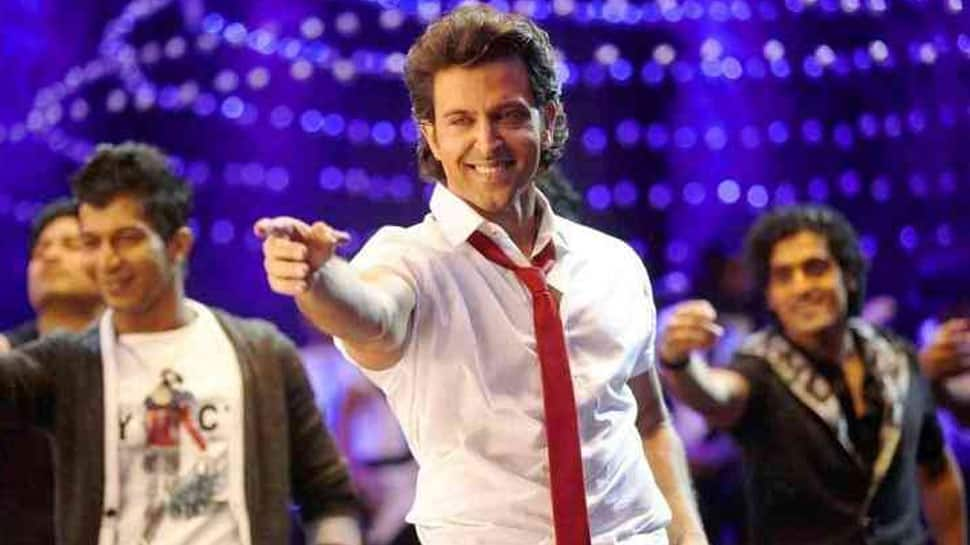 This throwback video of Hrithik Roshan dancing to Pawan Singh's superhit Bhojpuri track 'Lollipop Lagelu' is pure gem