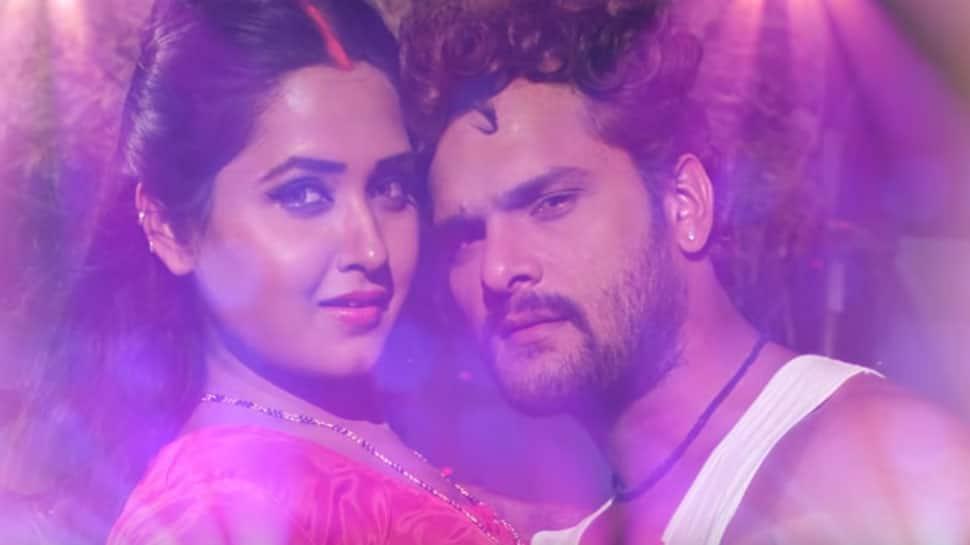 When Kajal Raghwani invited Khesari Lal Yadav for a kiss—Watch 'Dhukur Dhukur' song