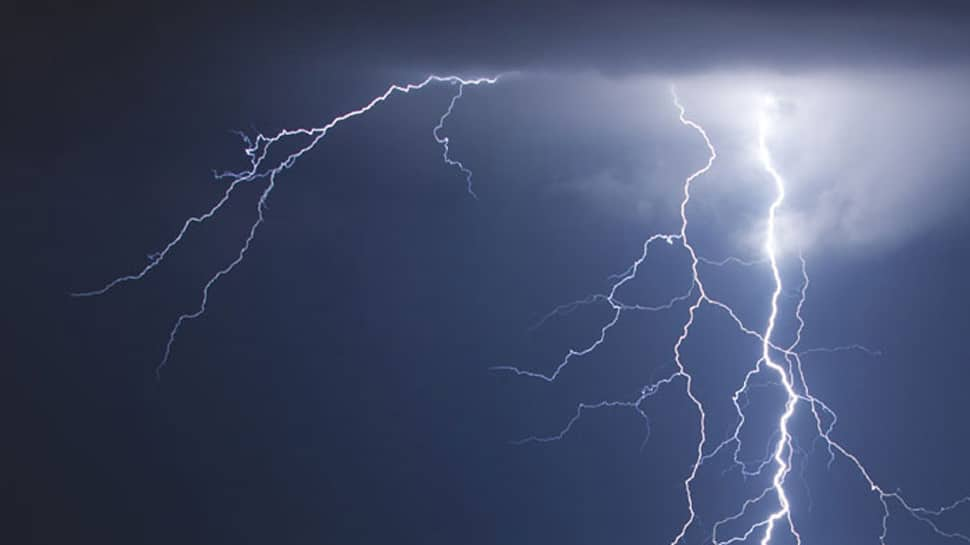 lightning killed five in Jharkhand