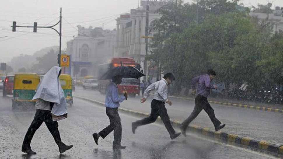 Rain hits Delhi-National Capital Region