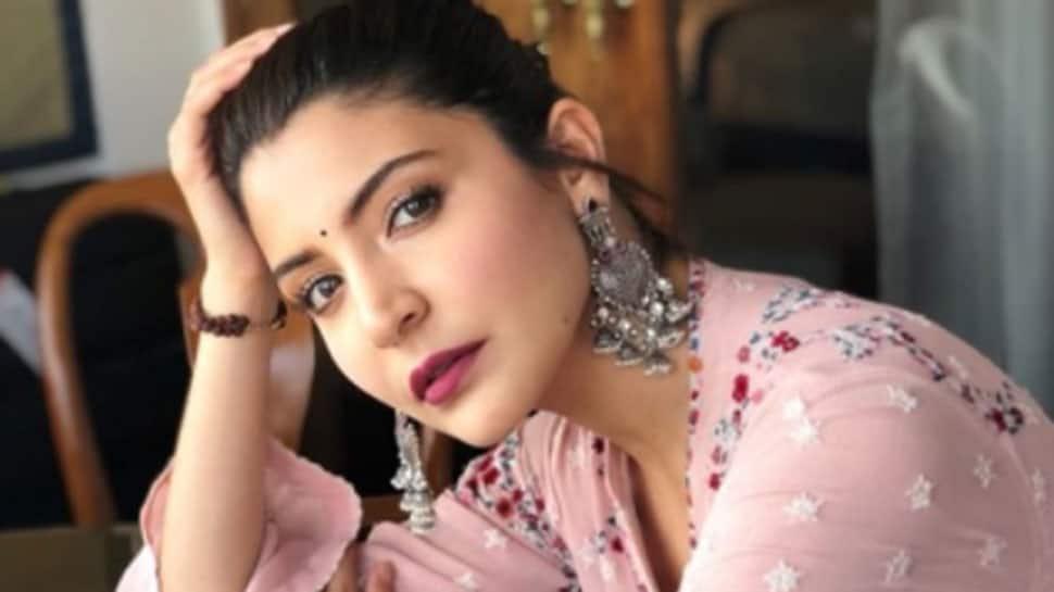 Anushka Sharma wraps 'Zero', shares adorable picture