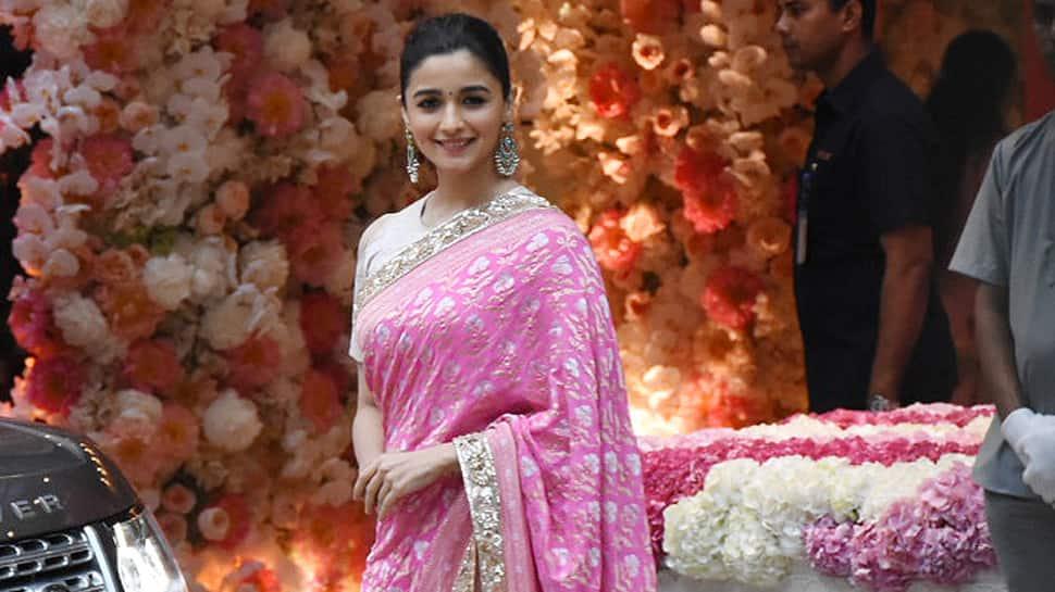 Alia Bhatt leaves Ranbir Kapoor's mom Neetu impressed with her stunning saree look