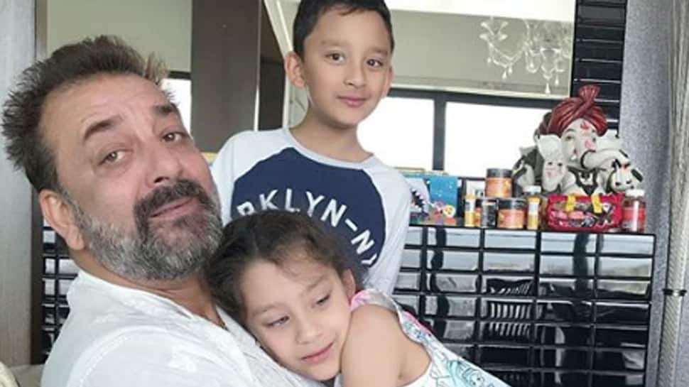 Maanayata Dutt shares an adorable picture of Sanjay Dutt with kids—See pic