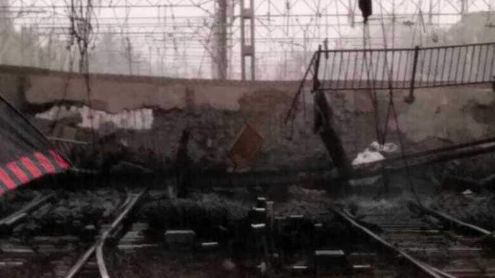 Mumbai rains: Part of Andheri bridge collapses on railway tracks, 6 injured