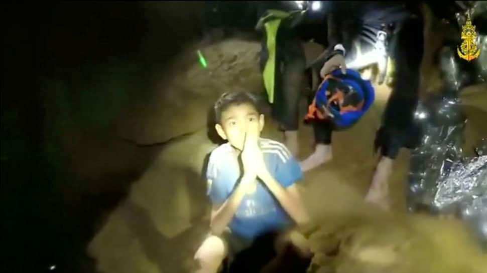 Soldiers to stay with Thai children trapped in cave as rescue may take months