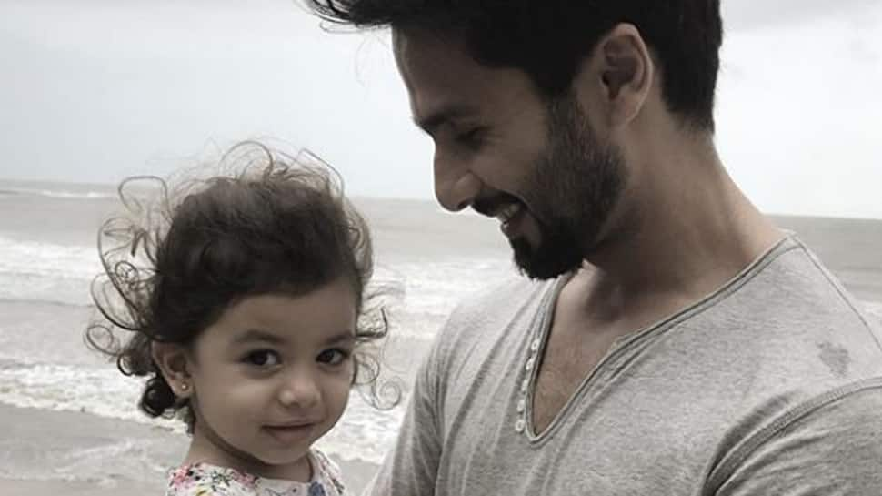 Shahid Kapoor's daughter joins him on the sets, Mira Rajput shares picture-See Inside