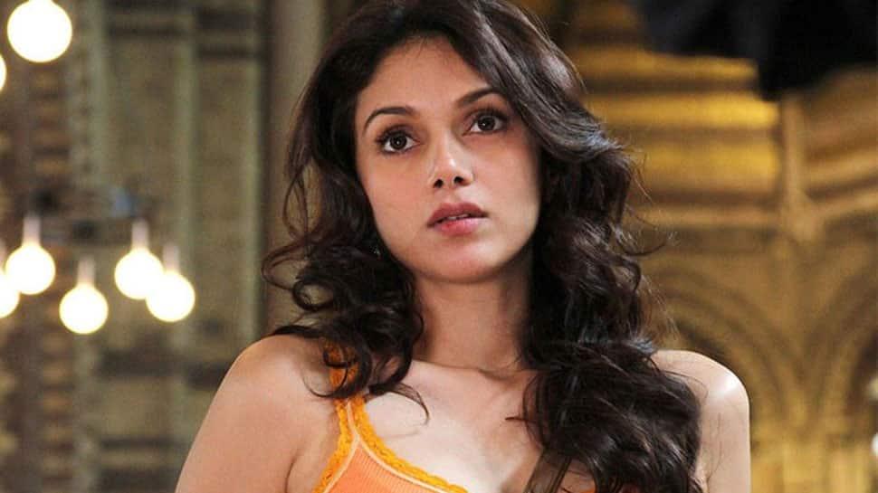 Aditi Rao Hydari Nude Photos 19