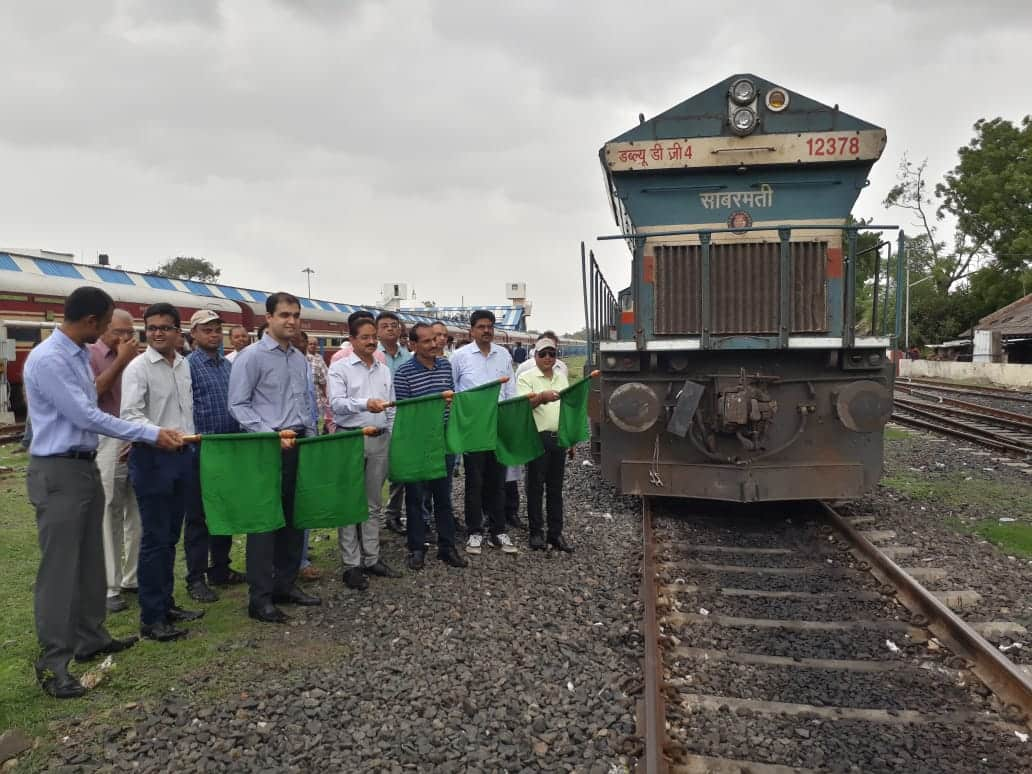 Indian Railways introduce dwarf container service