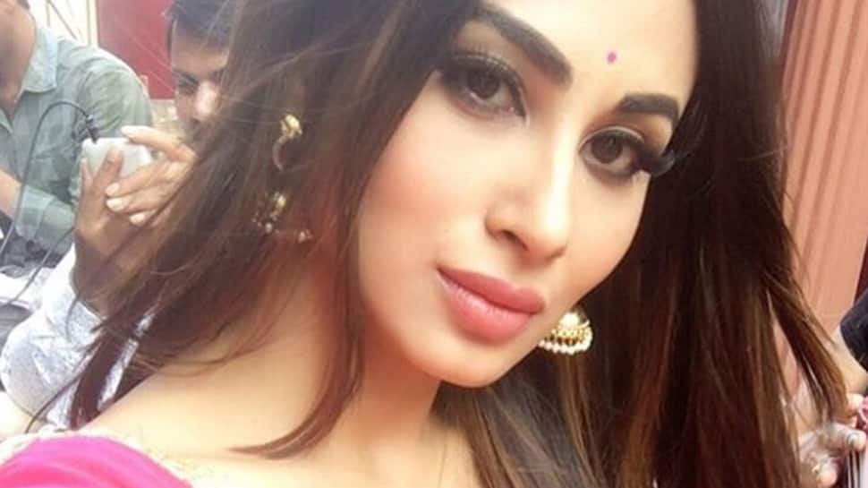 Mouni Roy's 180-degree high kick will give you major fitness goals—See pics