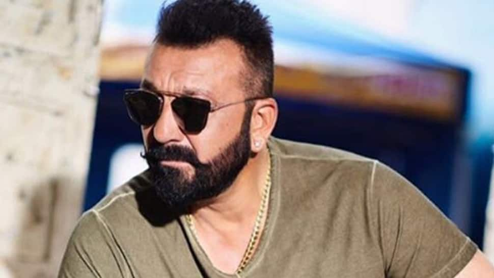 Sanjay Dutt to pen an autobiography; book to launch in 2019—Details inside