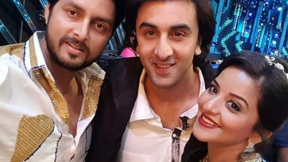 Bhojpuri sizzler Monalisa's selfie with Ranbir Kapoor is going viral on internet