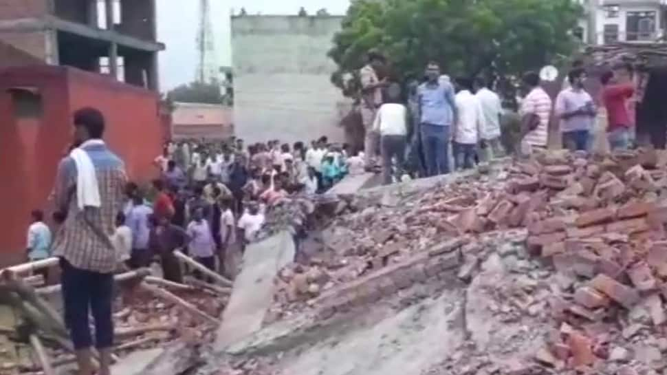 Under-construction building collapses in Dasna in Ghaziabad, at least 2 dead