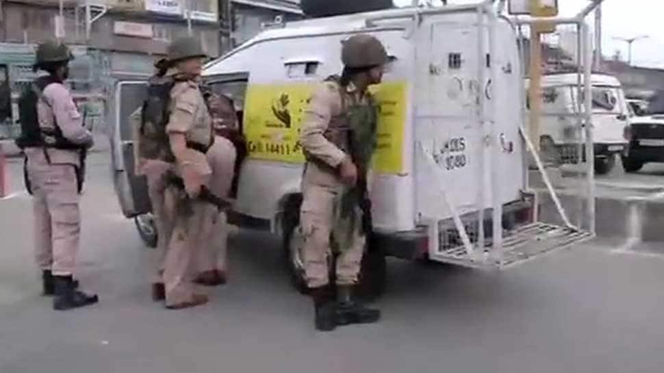 CRPF patrol party attacked in Srinagar's Batmaloo, one jawan killed