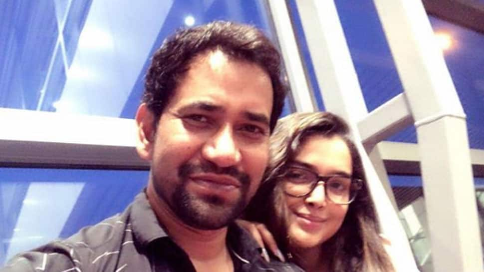 Bhojpuri superstars Dinesh Lal Yadav and Amrapali Dubey's new selfie is unmissable-See inside