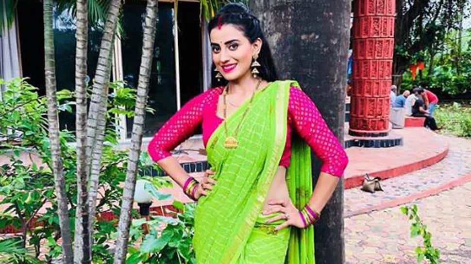 Bhojpuri melody queen Akshara Singh's new song 'Devghar Jaib Balam Ji ' out—Watch